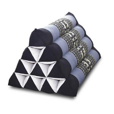 三角枕(さんかくまくら)